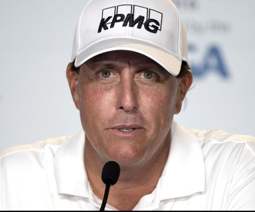 U.S. Open: Lefty goes for history