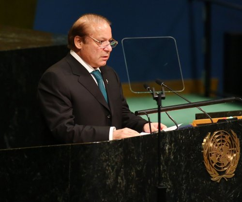 Pakistan PM Sharif resigns after court disqualifies him from office