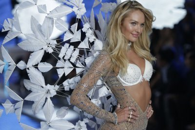 Candice Swanepoel announces second pregnancy on Instagram