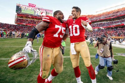 San Francisco 49ers give G Laken Tomlinson three-year extension