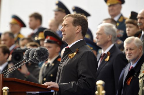 Medvedev says defense cooperation lacking