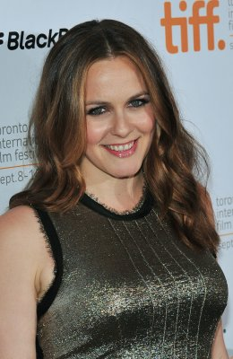 Alicia Silverstone starts vegan breast milk service