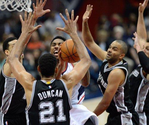 Surging San Antonio Spurs visit struggling Oklahoma City Thunder
