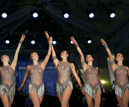 The Rockettes, Mormon Tabernacle Choir to perform at Trump inauguration; one dancer voices objection