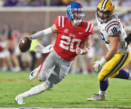 Ole Miss Rebels QB Shea Patterson tears PCL, out for rest of season