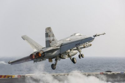 Navy's Super Hornet, Growler fleets hit 80 percent readiness goal