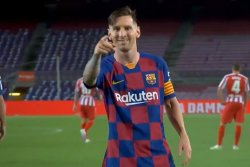 Lionel Messi scores 700th career goal in draw with Atletico Madrid