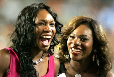 Williams sisters win another doubles title
