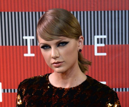 Taylor Swift may take time off after '1989' tour