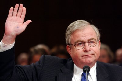 Sandy Berger, former national security adviser under Clinton, dies at 70