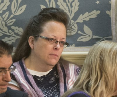 Kentucky clerk Kim Davis is obeying marriage license orders, federal judge rules