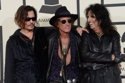 Guitarist Joe Perry expected to return to Hollywood Vampires following health scare
