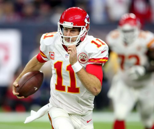 Kansas City Chiefs use ball control offense, stingy defense to beat Chicago Bears