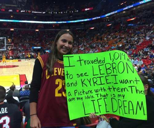 Cleveland Cavaliers crush fans by sitting out LeBron James, Kyrie Irving in Miami