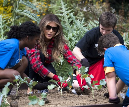 Melania Trump keeps White House garden growing