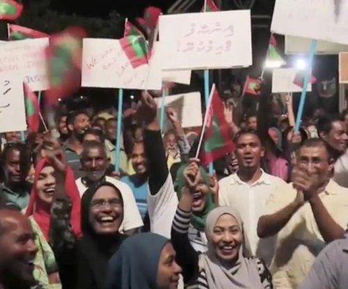 Maldives leader orders arrests of Supreme Court judges