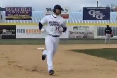 Tim Tebow hits homer in first Double-A at-bat