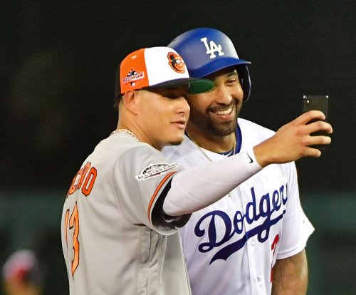 Manny Machado traded to Dodgers for five players