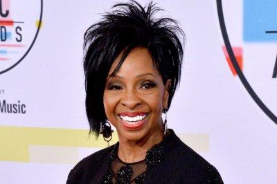 Gladys Knight, Vince Gill, Sara Bareilles sing at National Memorial Day Concert