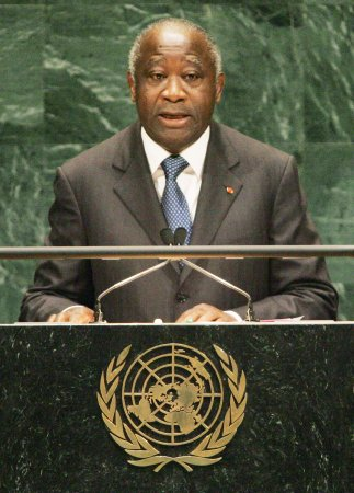 Ivory Coast's Gbagbo in rival's custody