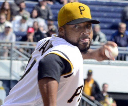 Pittsburgh Pirates beat Clayton Kershaw, snap losing streak