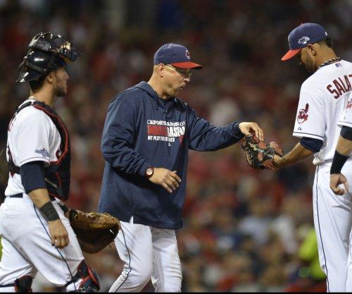 Francisco Lindor, Juan Uribe propel Cleveland Indians past Tampa Bay Rays