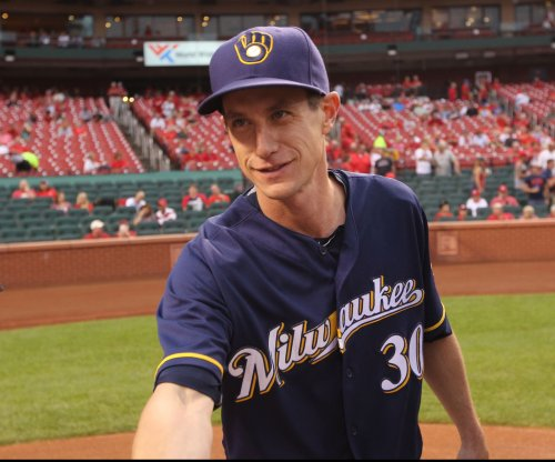 Milwaukee Brewers extending manager Craig Counsell's contract