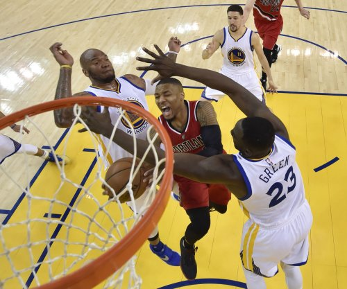 Trail Blazers host Curry-less Warriors