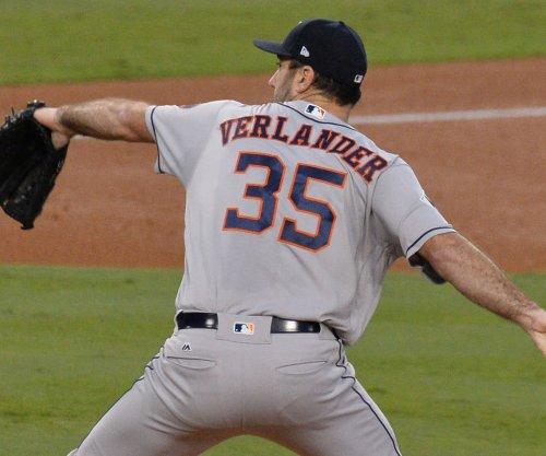 Verlander, Hamels duel on opening day for Astros, Rangers