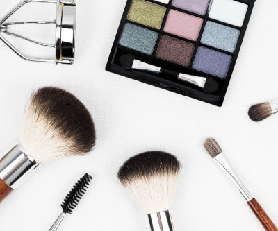 Superbugs may be breeding in makeup, accessories after use