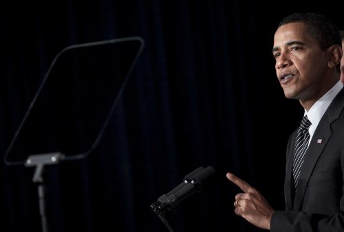 Notre Dame head stands by Obama invitation