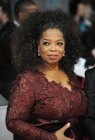Oprah Winfrey weighs bid to buy Clippers