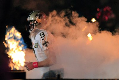 Drew Brees' 465-yard outburst paces New Orleans Saints past Carolina Panthers
