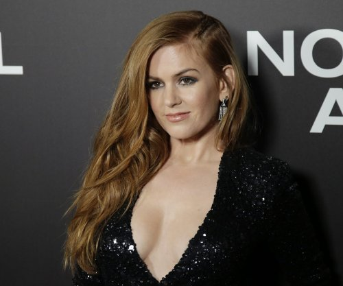 Isla Fisher hints at 'Wedding Crashers 2', shares holiday prank involving Amy Adams