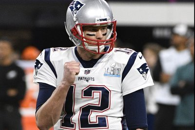 Texans open on road vs. Brady, Patriots