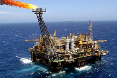 Petrobras sells stakes in Brazilian fields worth $823M to focus on deepwater