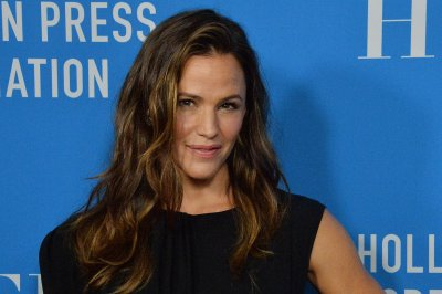 Jennifer Garner wishes 'Alias' alum Michael Vartan a happy birthday