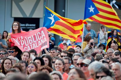Spain arrests 9 in Catalonia for plotting acts of violence