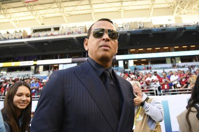 Alex Rodriguez, Jennifer Lopez retain banker for possible Mets bid