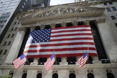 Trump orders halt to stimulus negotiations; stocks tumble
