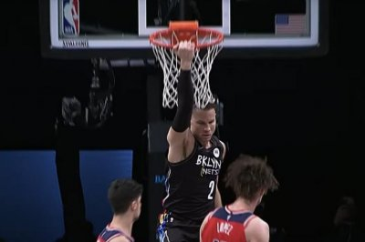 Blake Griffin makes Nets debut, dunks for first time since 2019