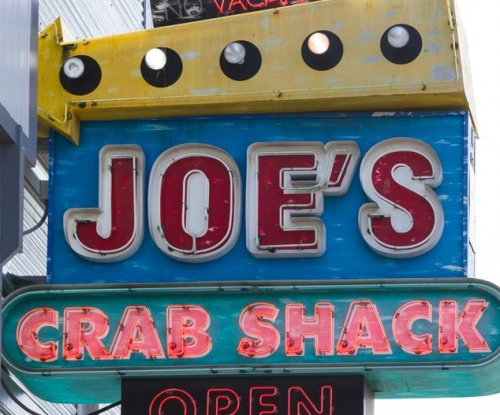 Joe's Crab Shack becomes first major U.S. chain to try eliminating tips