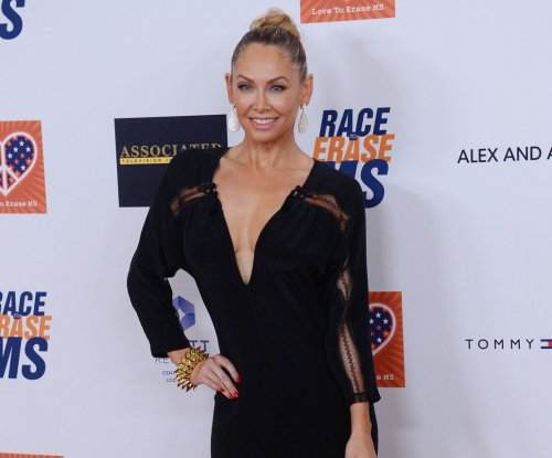 'Dancing with the Stars' partners Kym Johnson and Robert Herjavec are engaged