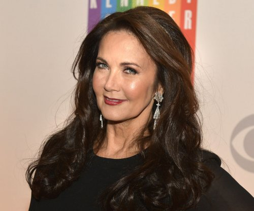 Lynda Carter to star in Season 2 of 'Supergirl'