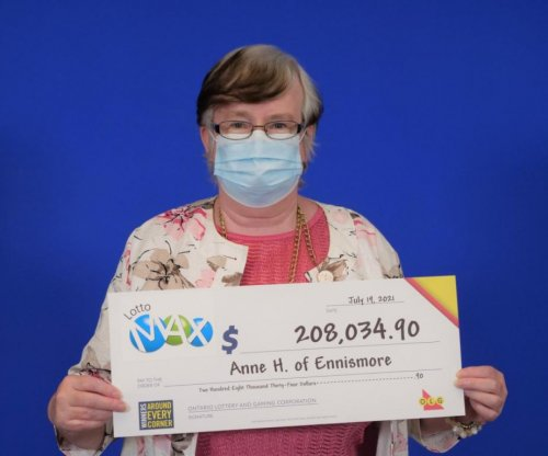 Ontario woman wins lottery jackpot after using same numbers for 5 years