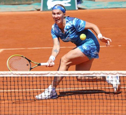 Kuznetsova, Stosur advance to Kremlin Cup semis