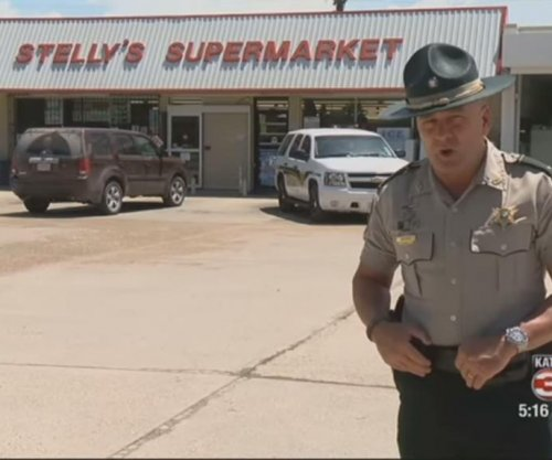 Sheriff's lieutenant to unidentified thief: 'Look at me son, I'm talking to you'
