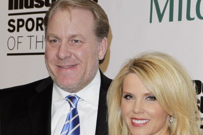 ESPN pulls Curt Schilling off air for rest of season