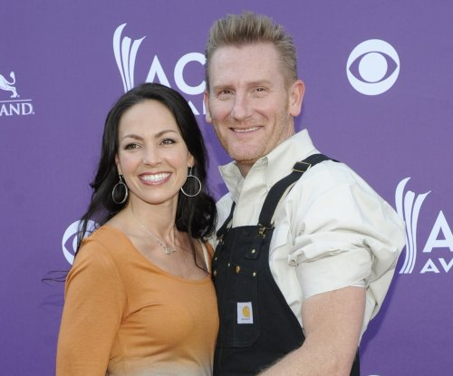 Rory Feek says holidays were a 'rollercoaster' for ailing wife, Joey