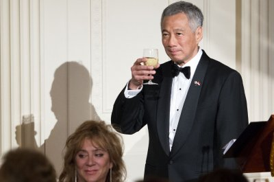 Prime Minister of Singapore collapses during televised speech